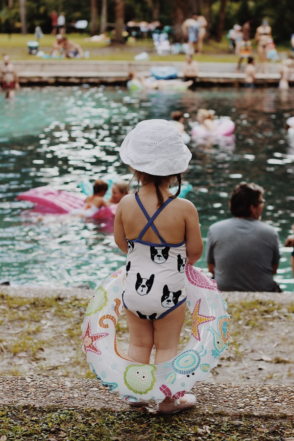 Juniper Springs in Alexander Springs (Ocala, FL). Day trip with Addison and Chris. Tiny cottons dog printer swim suit from Fawn Shoppe // Those Crazy Sorokas