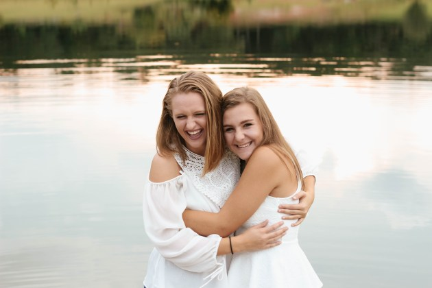 Best Friends Forever: Emma & Faith. Central Florida photographer. // Those Crazy Sorokas