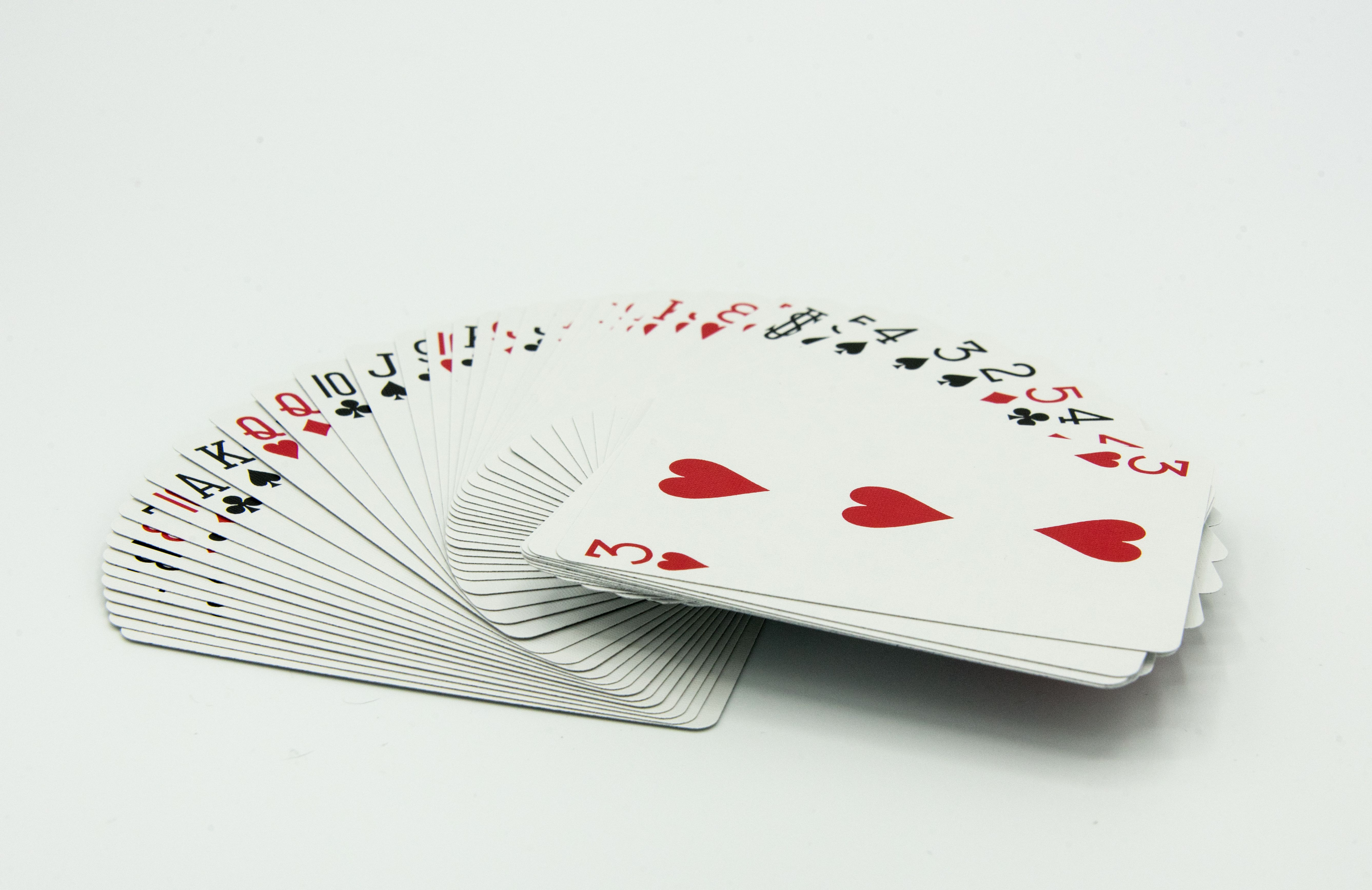What Are The Features Of A Standard Deck Of Cards
