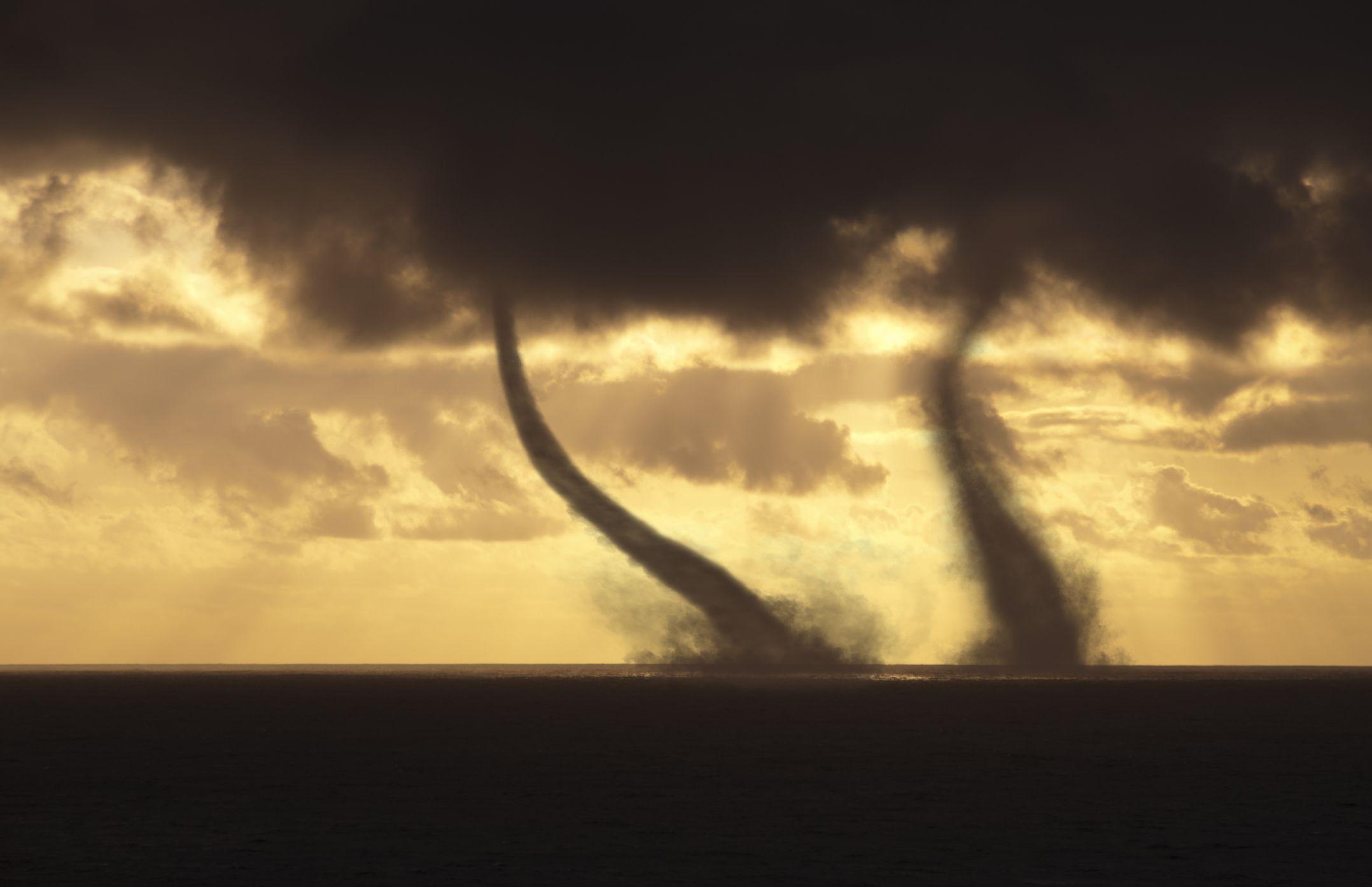 Debris Clouds Visual Cues Of A Tornado Touchdown