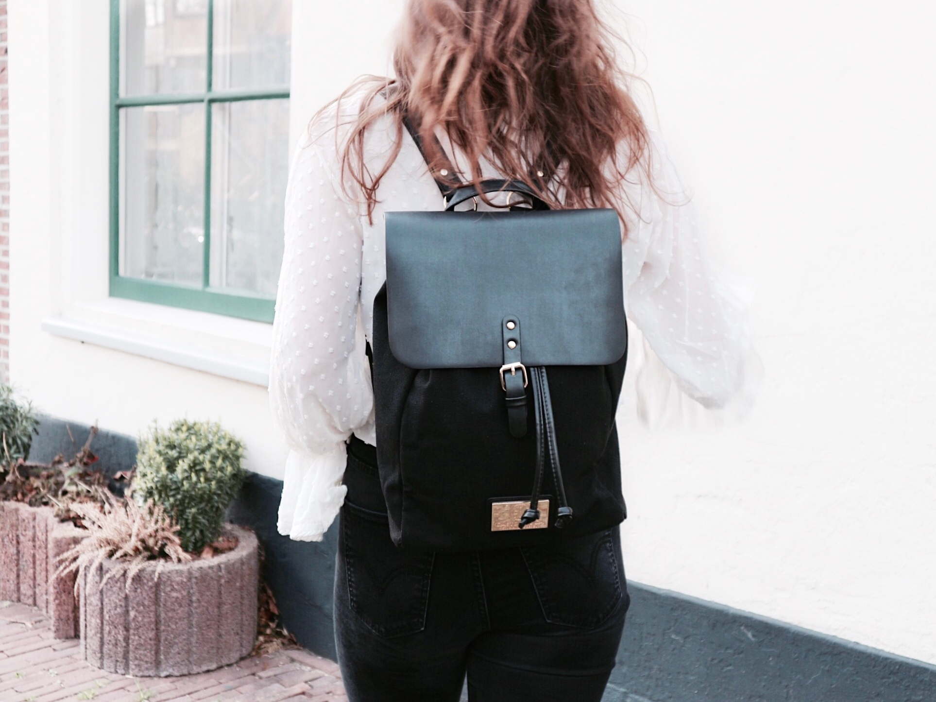Gaston Luga Backpack Outfit Fashion Look OOTD