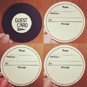 レコードの形ゲストカード