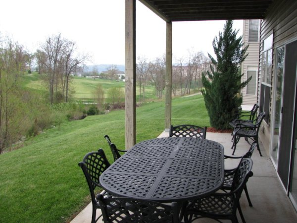 4-bedroom-branson-condo-porch