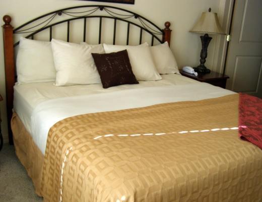 Bedroom Branson Cabin