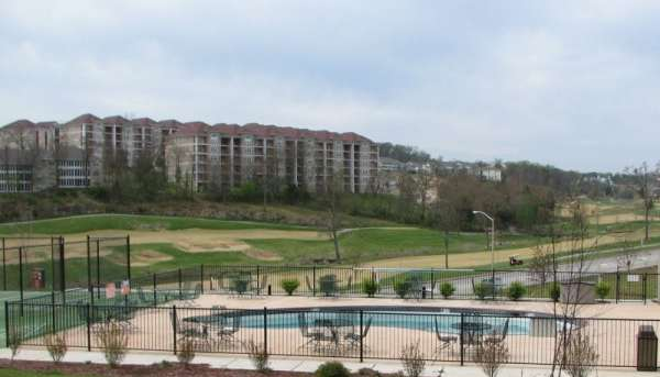 2-bedroom-branson-condos-pool