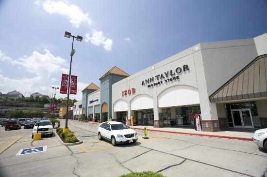 tanger-outlets-branson