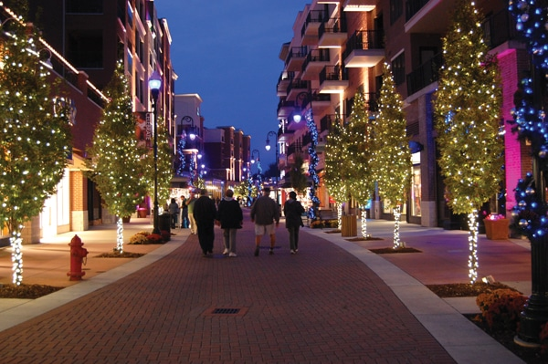 branson-landing-christmas-shopping