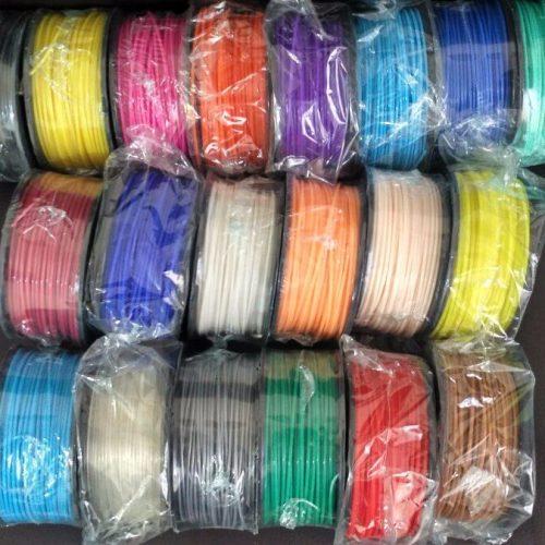 200 gramos de filamento PLA