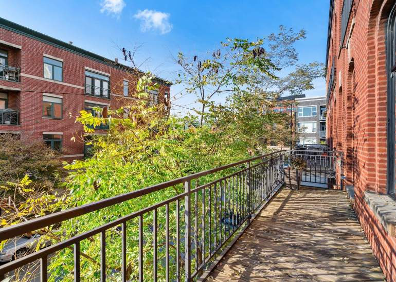 Virtual staging services for real estate photography - empty balcony before digital staging