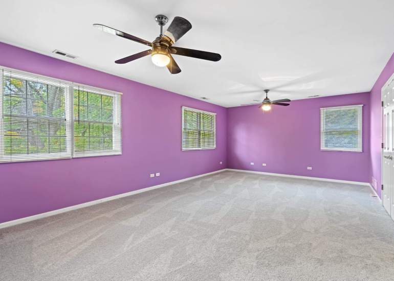 Virtual staging services for real estate photography - empty bedroom photo before digital staging