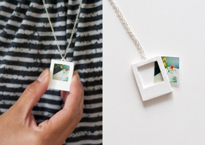 DIY Polaroid Necklace tutorial! Photo: Dot Coms for Moms