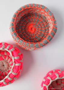 Look, my colors! Love this tutorial - it and the photo: The Red Thread