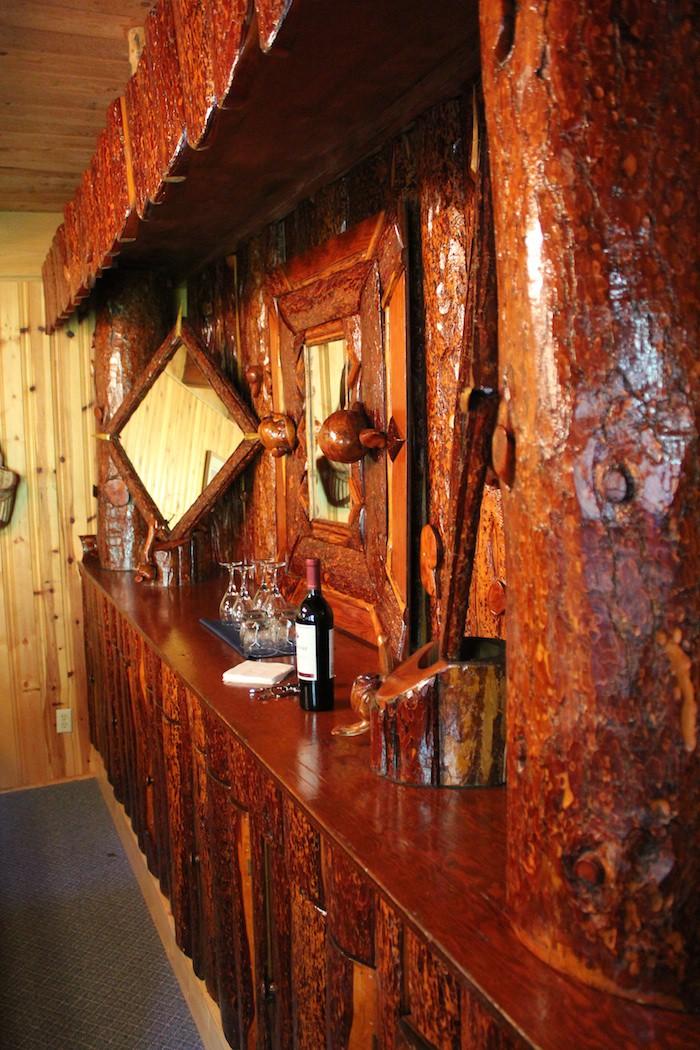 Robinson Lodge Antique Bar