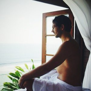 male-massage-at-karma