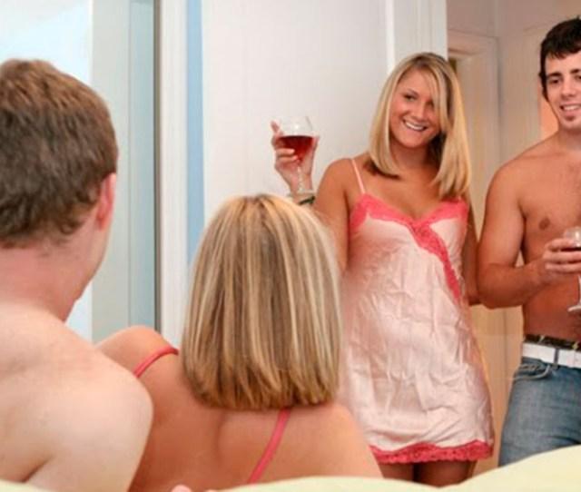 Reviews Of Top 5 Swinger Websites For Dating