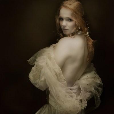 Circe - Femme Fatale by Mariska Karto