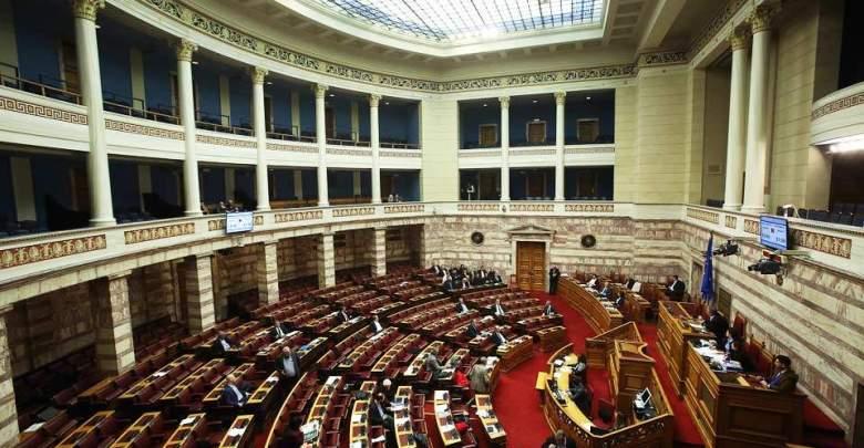 Στη Βουλή το σχέδιο νόμου για τη «νέα» ΔΕΗ και την αγορά ενέργειας
