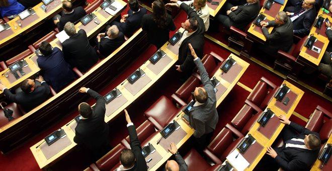 Αποχώρησε η αντιπολίτευση από τη Βουλή στα νομοσχέδια για τους κώδικες