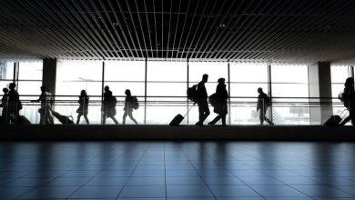 «Να κάνουν διακοπές στο σπίτι» καλούνται οι Βρετανοί