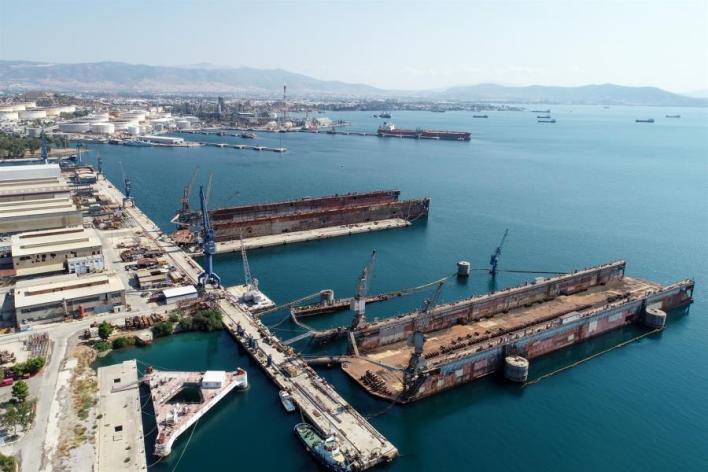 Κερδίζει έδαφος η «ένωση» των ναυπηγείων Ελευσίνας και Σκαραμαγκά