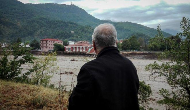 """""""Ιανός"""": Δύο νεκροί στην Θεσσαλία - Ανησυχία για τους αγνοούμενους και εικόνες καταστροφής"""