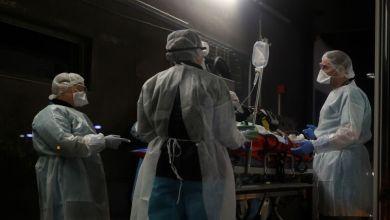 Photo of Ασφυξία στις ΜΕΘ με 400 διασωληνωμένους, 2.198 τα νέα κρούσματα