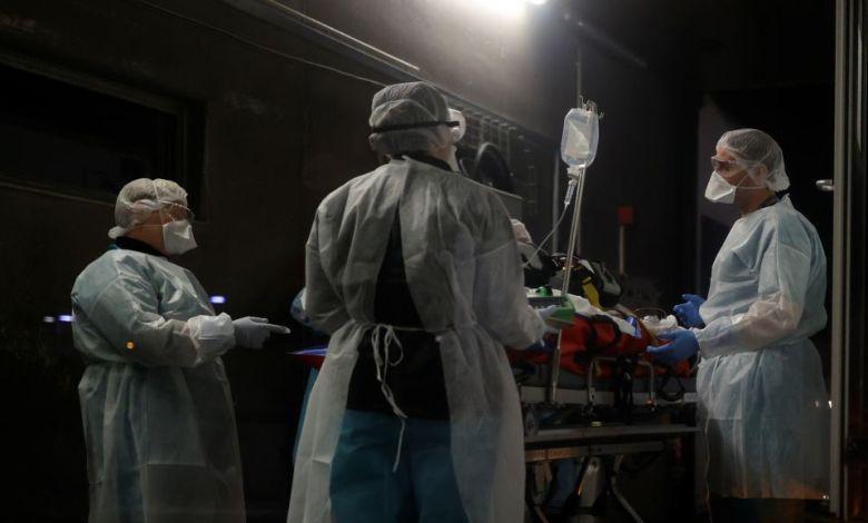 Ασφυξία στις ΜΕΘ με 400 διασωληνωμένους, 2.198 τα νέα κρούσματα