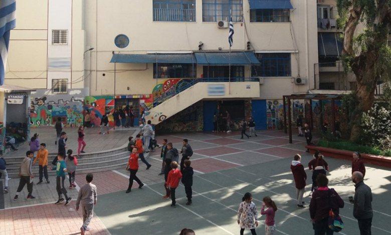 Lockdown: «Φως» για άνοιγμα των σχολείων τον Ιανουάριο