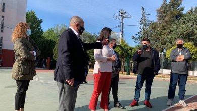 Το 1ο Λύκειο Ελευσίνας επισκεύθηκε η υπουργός παιδείας Νίκη Κεραμέως