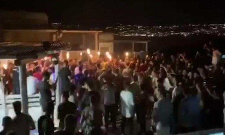 Ξέφρενα πάρτι σε βίλες της Μυκόνου χωρίς μέτρα προστασίας