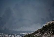 Έκλεισε η εθνική οδός Αθηνών – Λαμίας λόγω της φωτιάς στη Βαρυμπόμπη