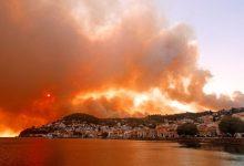 Ανεξέλεγκτη η φωτιά στην Εύβοια – Εκκενώνονται οικισμοί, τραυματίστηκαν πυροσβέστες