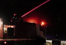 Φωτιά σε εργοστάσιο ξυλείας στον Ασπρόπυργο
