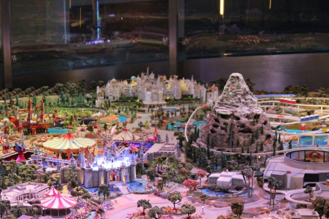 miniature-replica-of-disneyland