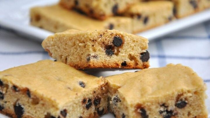 chocolate chip cookie bars made with cake mix
