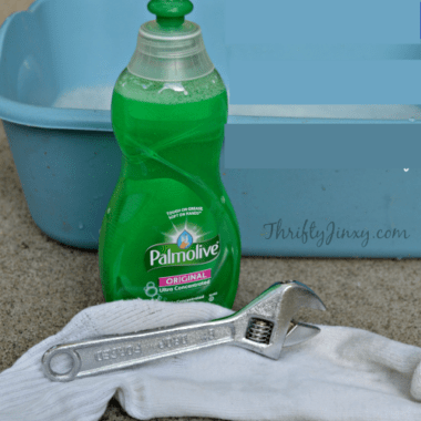 How to Clean Tools with Dish Soap