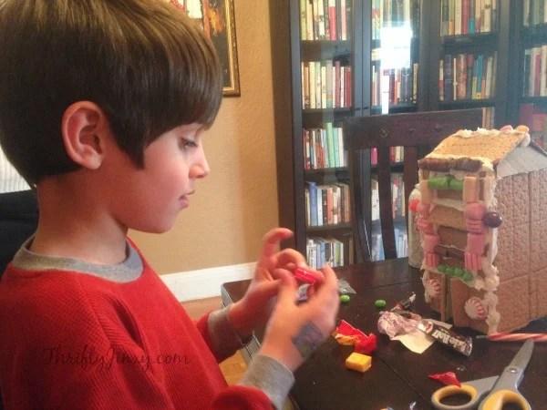 Making a Honey Maid Graham Cracker House