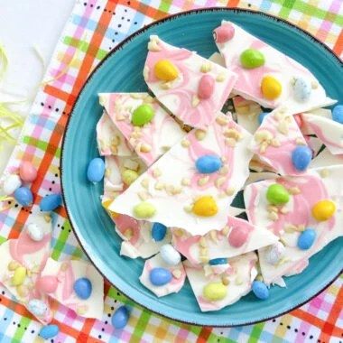 Easter Candy Macadamia Bark Recipe