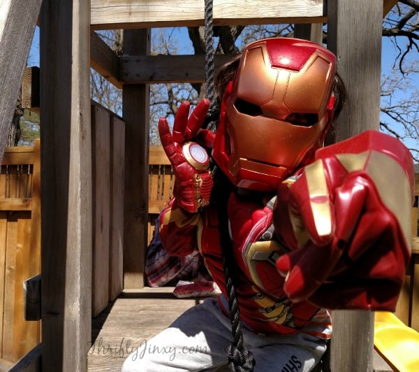 Little R Iron Man
