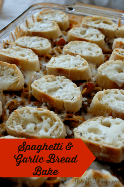 This Spaghetti and Garlic Bread recipe is easy to make and serves a whole meal all in one dish. It's a family favorite for busy weeknights! #dinner #easydinner #pasta #spaghetti #weeknightdinner