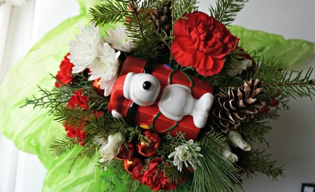 Teleflora Snoopy DogHouse