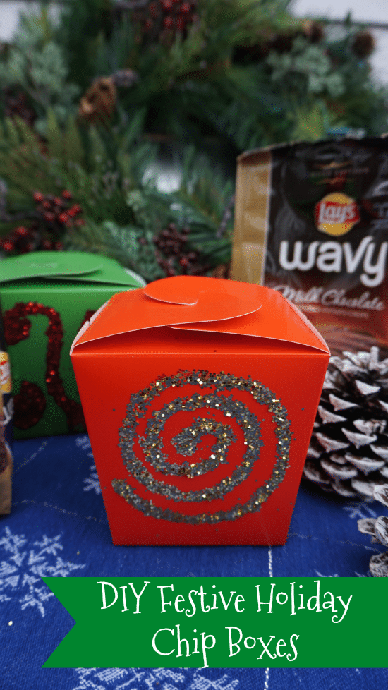 Make these DIY Festive Holiday Chip Boxes! Perfect to hold Chocolate Wavy Lays! #SweetnSaltyHoliday