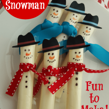 This Easy Cheese Stick Snowman is fun to make with our printable hat template. Perfect for a winter time after school snack or party treat.