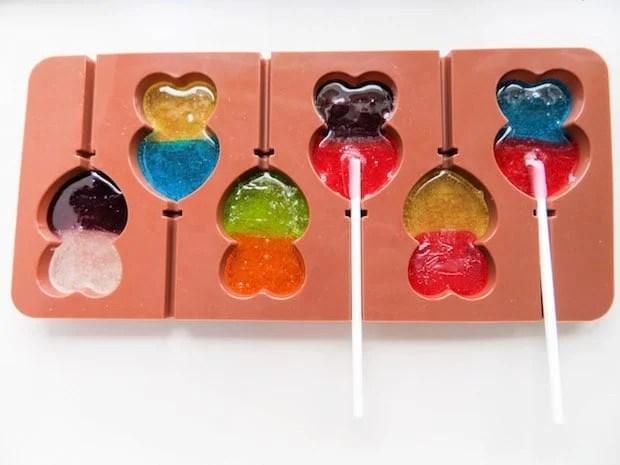diy-valentine-heart-lollipops-process-2
