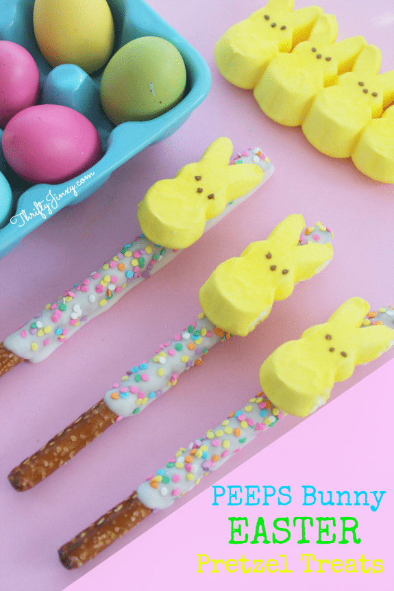 These cute DIY PEEPS Bunny Easter Pretzel Treats are perfect for party treats, Easter baskets or a pretty Easter brunch table decoration.