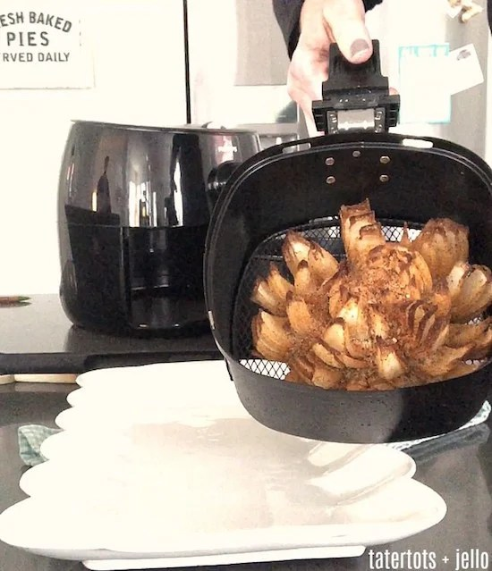 blooming-onion-in-the-airfryer-