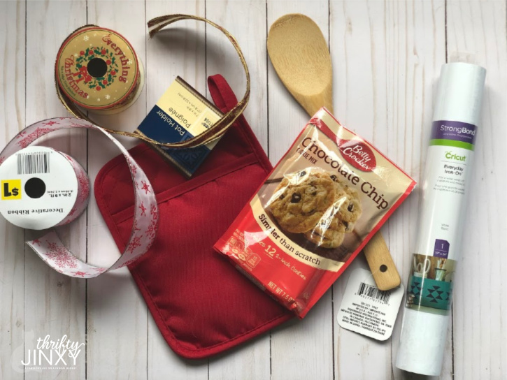 Cricut Pot Holder Christmas Gift Idea with Cookie Mix