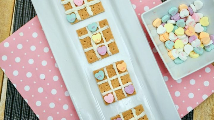Valentine's Tic Tac Toe Sweet Treat & Game
