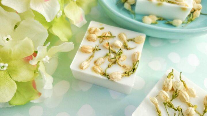 Easy DIY Jasmine Flower Soap to Make at Home