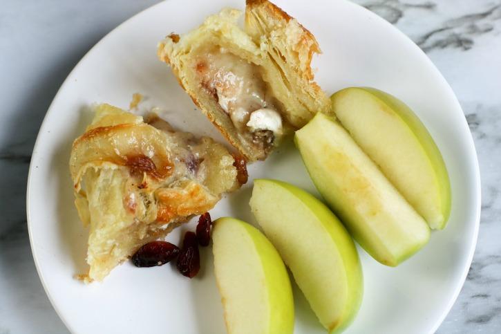 Apple Cranberry Brie en Croute